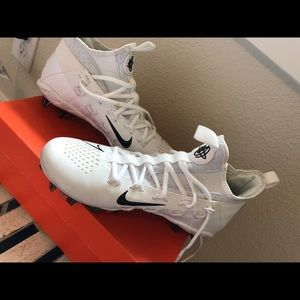 White Nike Lacrosse Cleats